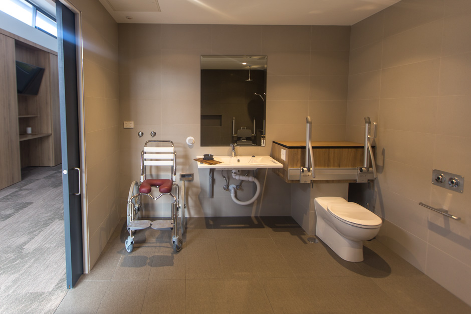 Accessible bathroom in guest room at Sargood on Collaroy