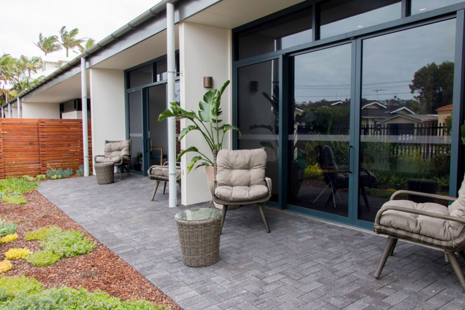 Sargood on Collaroy Deluxe Family Suite courtyard